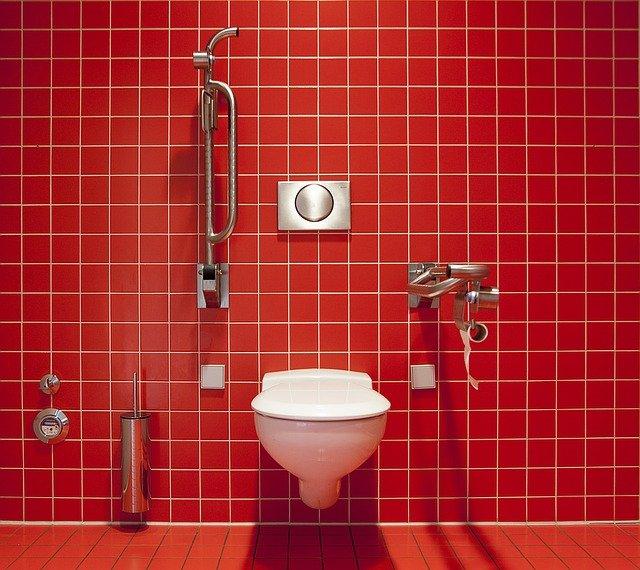 Douchette wc: comment éviter d'inonder les toilettes?